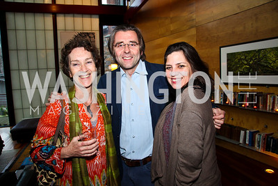 Mary-Sherman Willis, Neil Barrett, Pamela Esterson. Cocktail Party to Benefit Roerich House, Mongolia. Photo by Tony Powell. Travis Price House. March 24, 2011